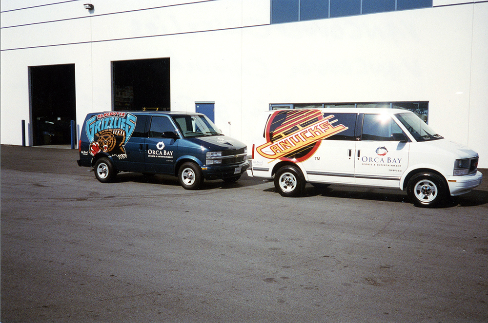 1996 Vancouver Grizzlies & Canucks Fleet Graphics